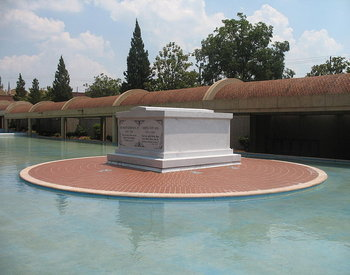 The Tomb of Martin Luther King Jr. and Coretta Scott King